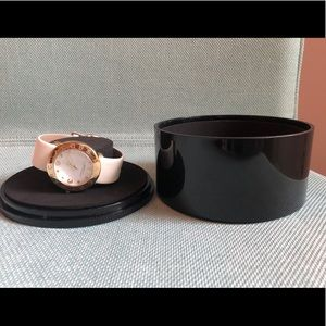authentic marc jacobs white leather watch